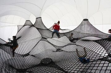 net-blow-up-yokohama-by-numen-for-use-designboom-002